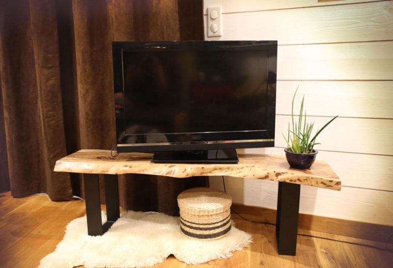 Banc ou meuble télé en bois et pied métal